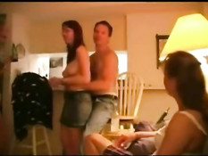 Реальное порно видео американских свингеров снятое на вечеринке