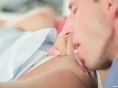 После весёлого праздничного застолья пары занялись свинг сексом
