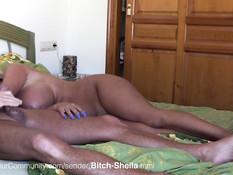 Сексуальные утехи похотливой немецкой домохозяйки Bitch Sheila