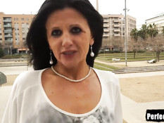 Мужик ебёт горячую испанскую женщину с тату на лобке Soraya Rico