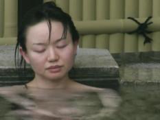 Девушки из Японии моются в бане и попадают под объектив видеокамеры