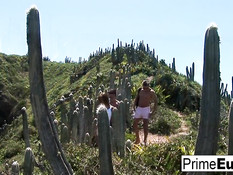 Парни отымели на пляже на тропическом острове девку Nessa Devil