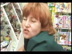 Покупатель оттрахал русскую продавщицу в магазине канцтоваров