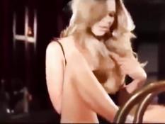Пышногрудая блондинка Julia Ann трахается с бойфрендом в душе