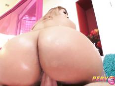 Анальный секс со страстной латинской женщиной Mercedes Carrera