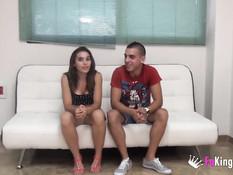 Две худые испанские девчонки занимаются свинг сексом с двумя парнями