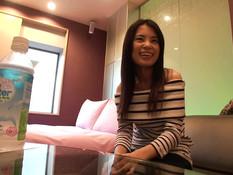Молодая азиатка пошла с парнем в отель и дала оттрахать себя в киску
