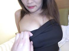 Приезжий японец снял двух азиатских девушек и оттрахал в гостинице