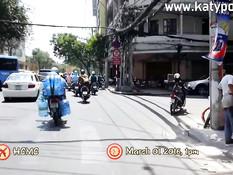 Мужик снял на улице тайскую шалаву и отодрал девку в своём номере