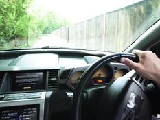 Британский таксист отодрал на обочине сиськастую русскую девчонку