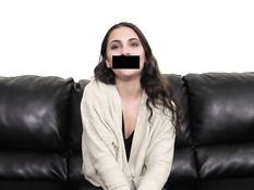 Юную шатенку на порно кастинге отымели в бритую киску и рабочий анус