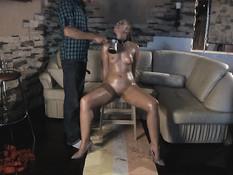 Полил горячим воском молодую русскую секс рабыню и отодрал рачком