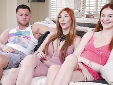 Жёсткий анальный секс парня с двумя похотливыми рыжими подружками