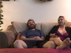 Зрелая грудастая любовница занимается сексом с бородатым пареньком