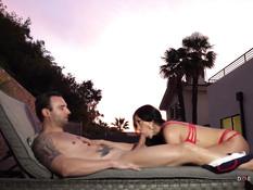 На роскошной тропической вилле занимаются сексом три молодые пары