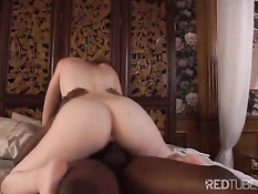 Hot erotism in the bed