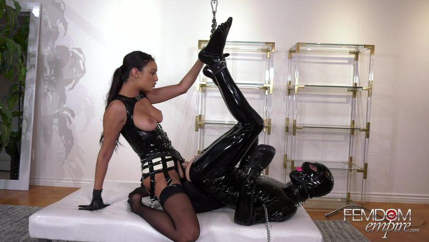 Видео госпожа ирина и ее раб