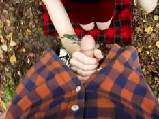 Пошёл по тропинке за рыжей русской бесстыдницей и отодрал её в лесу