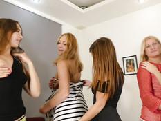 Пять сексуальных русских женщин занимаются групповым сексом с парнем