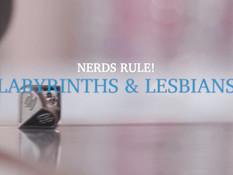 Четыре молоденькие подружки занимаются групповым лесбийским сексом
