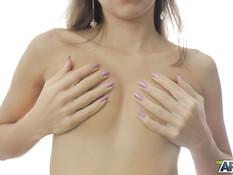 Молодая русская красотка в кружевном белье мастурбирует киску руками