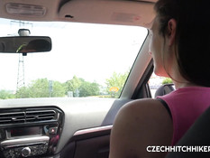 Он привёз чешскую девчонку за город и оттрахал её на свежем воздухе