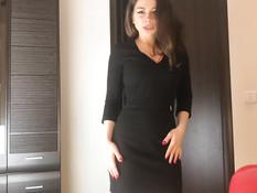 Сисястая русская девка танцует стриптиз и ебёт парня в позе наездницы