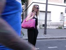 Зрелая француженка отпердолена во все дыры во время ганг банг оргии