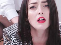 Рыжеволосая лесбиянка трахает страпоном шатенку в чулках из латекса