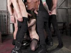 Пятеро мужиков жёстко отодрали во все дырочки сиськастую секс рабыню