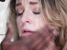 Негр связал и отодрал во все дырочки сисястую даму и юную блондинку