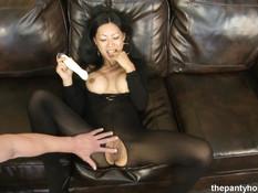 Мужик жёстко отодрал грудастую азиатскую женщину в боди-комбинезоне