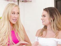 Молодая блондиночка занимается лесби сексом с двумя сисястыми дамами
