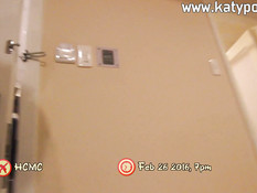 Крикливую вьетнамскую девку с большой грудью отодрали в киску и анус