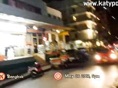 Мужчина отымел на кровати в гостиничном номере молодую тайскую шлюху
