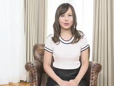 Красивая сисястая японка оттрахана в бритую писю и заполнена спермой