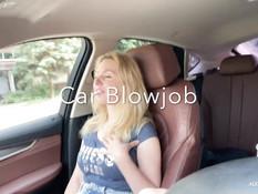 Водитель машины дал отсосать свой член сисястой украинской блондинке