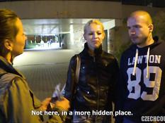 Две молодые пары свингеров занимались сексом в подвальном помещении
