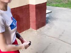 Юная русская блондиночка делает глубокий минет и проглатывает сперму
