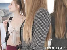 Зрелая лесби блондинка с большими сисями трахает светловолосую девку