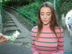 Пикапер оттрахал возле железной дороги сисястую украинскую блондинку