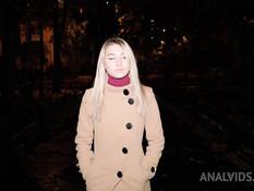 Развратная анальная секс оргия трёх русских блондинок с тремя парнями