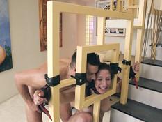 Связанная молодая секс рабыня выпорота и оттрахана во все отверстия