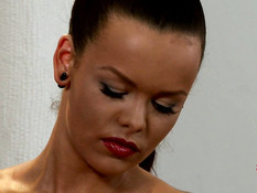 Грудастая госпожа в латексе отшлёпала сиськастую беременную брюнетку