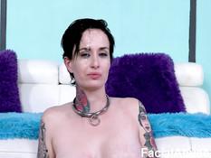 Жёсткий анальный секс двух мужиков с грудастой татуированной девицей