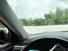 Водитель отодрал в автомобиле сисястую блондинку и кончил в её киску