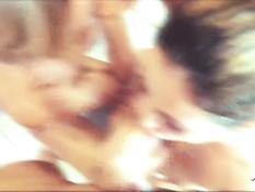 Молодая шатенка и блондинка устроили свинг групповуху с двумя парнями
