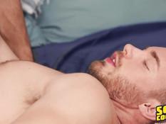 Молодой гей с тату насладился минетом и отпердолил приятеля в задницу