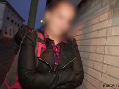 Мужчина отымел в микроавтобусе и обкончал молодую сиськастую шалаву