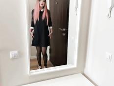 Гламурную русскую красавицу с розовыми волосами отымели в позе раком